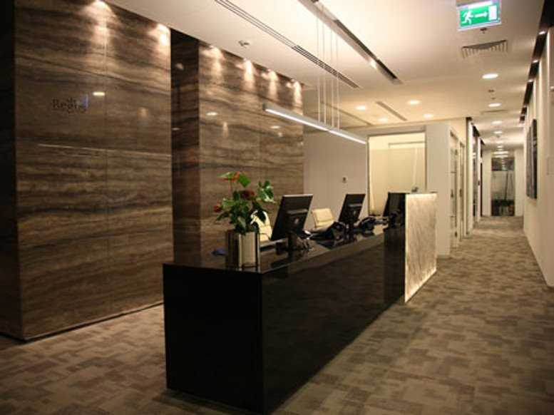 Standard Chartered Tower – Reception