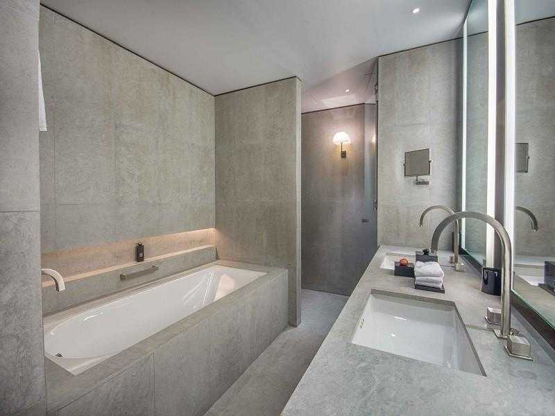 Armani Residences – Bathroom